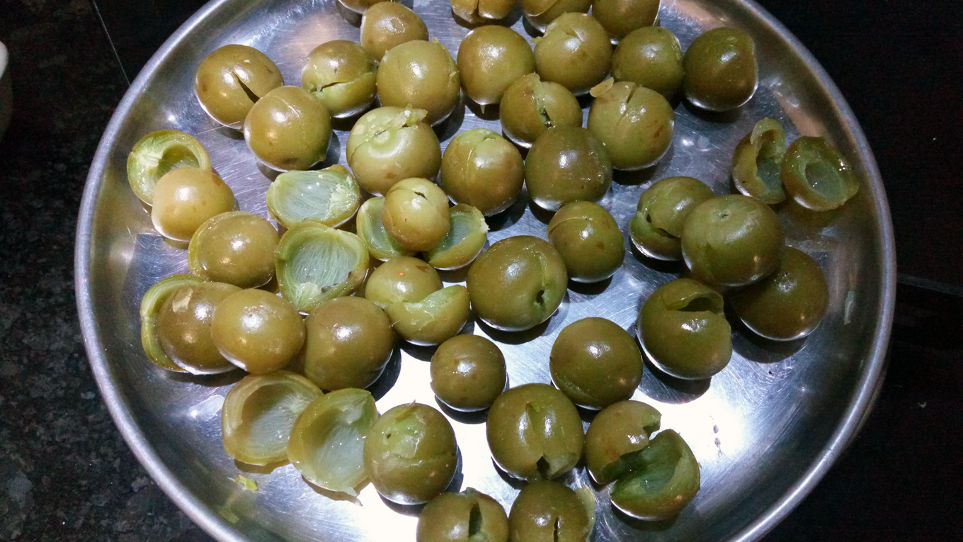 Gunda nu Athanu - Bird Lime Fruit - Gujarati Pickle